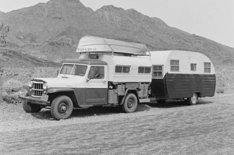 jeep-old-school-camping-1950-willys-camper-with-trailer