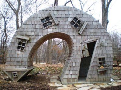 19696cd51ab28525024dd764217b356e--weird-houses-crazy-houses